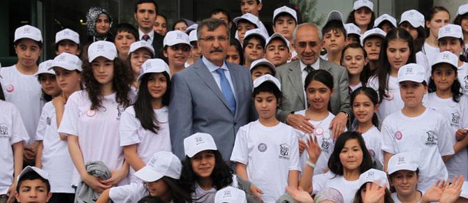 Zeytinburnu Belediyesi Kitap Okuma Yarışmasında Ödül Heyecanı