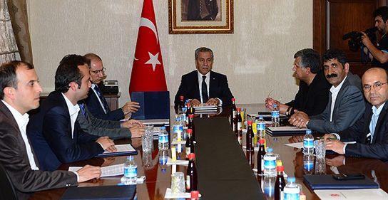 Arınç, Taksim Platformu'nu üyelerini kabul etti