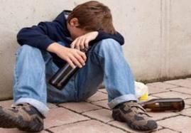 Liselerde uyuşturucu ve alkol tüketimi had safhada