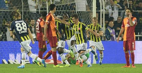 Fenerbahçe, evinde karşılaştığı Galatasaray'ı 2-0 yendi