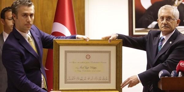 YSK: Erdoğan cumhurbaşkanı seçildi