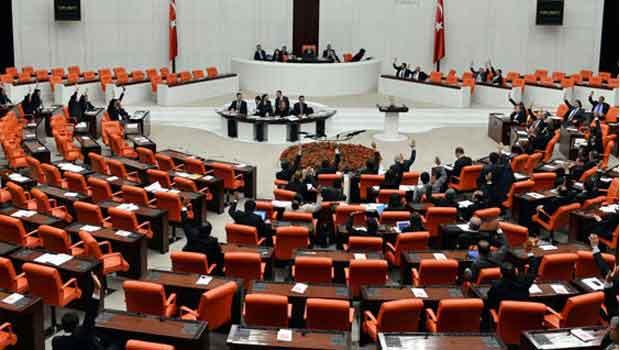 Akademisyenlerle ilgili kanun Meclis'ten geçti