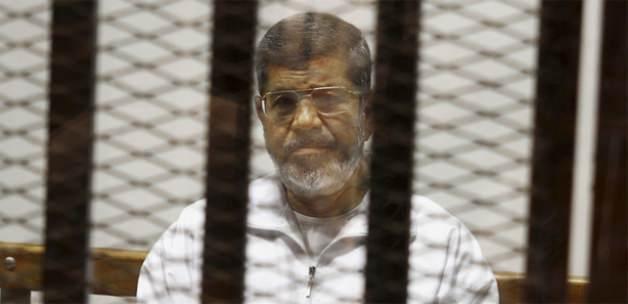Mursi yoğun güvenlik önlemleri altında defnedildi
