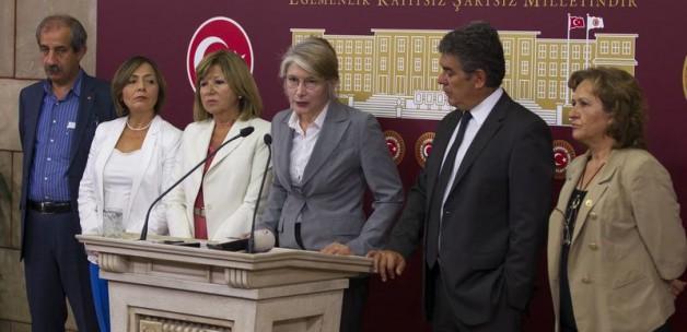 CHP'de istifa işkencesi