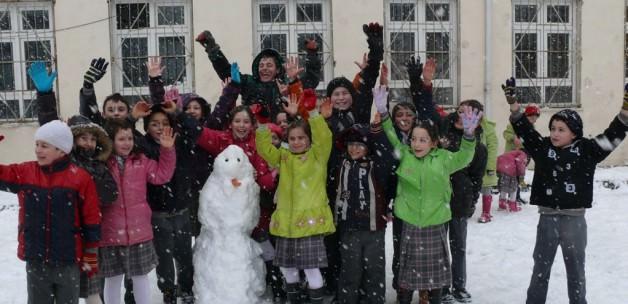 12 Ocak Pazartesi Kar Tatili Olan İller; Yarın Hangi İllerde Okullar Tatil