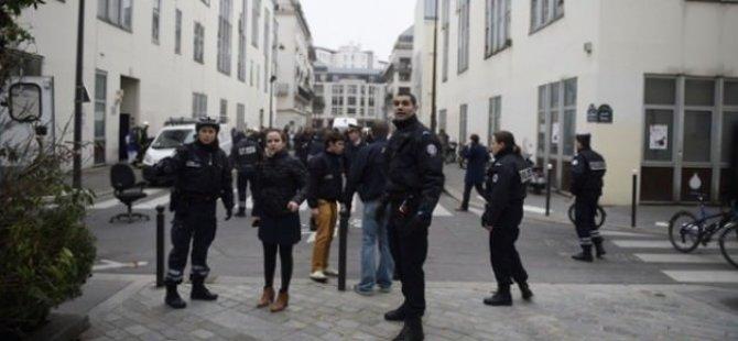 Paris'te saldırı: 12 ölü
