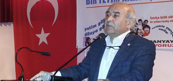 Mustafa Kır: Öğretmenler günü kaldırılsın