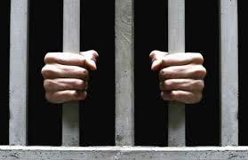 Paraya çevrilen hapis cezası, memurluğa engel mi?