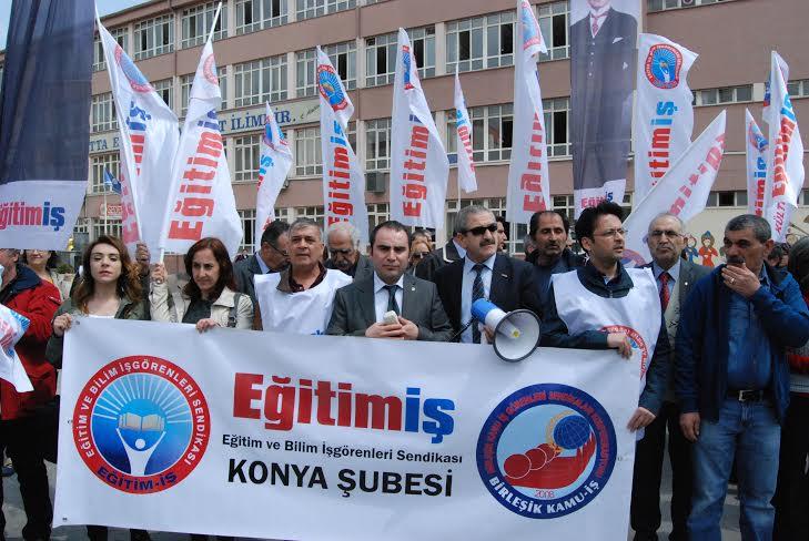 Eğitim İş: Atatürk'ü Okullardan Sildirmeyeceğiz!