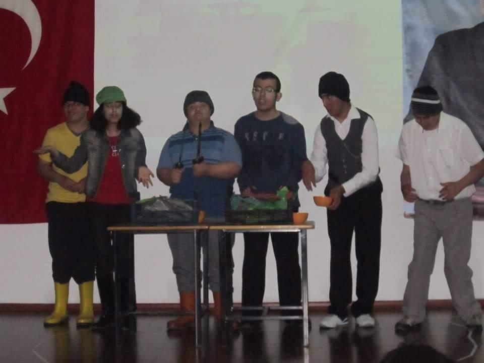 Engelli Öğrencilerden Yıl Sonu Gösterisi