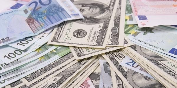 Dolar ve Euro, güne rekorla başladı