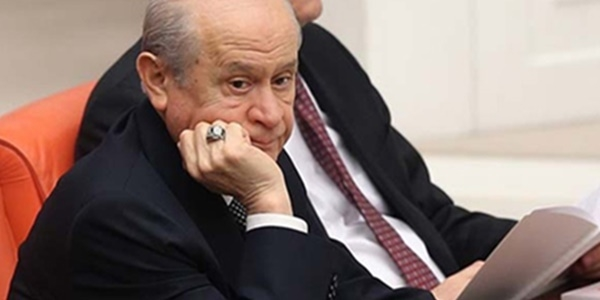 MHP delegesinin zor kararı