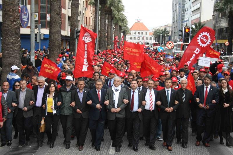 Binlerce işçi ve memur iş bırakacak