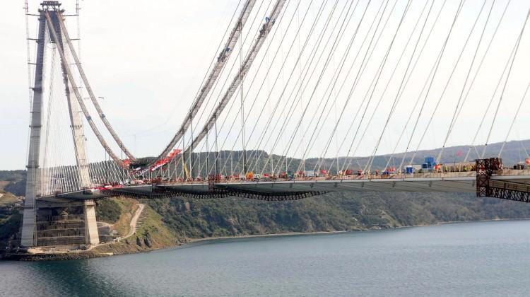 3. köprüde tarihi anlar: İki yaka birleşti