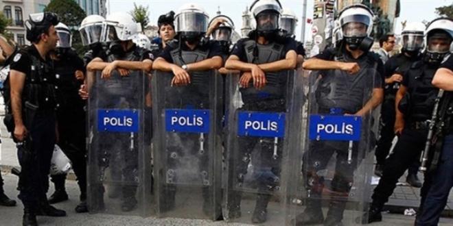 MEB'e Yürümek İsteyen Devrimci Liseliler'e Müdahale