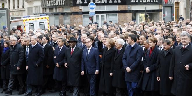 'Charlie oldunuz, Paris oldunuz, peki Ankara olacak mısınız?'