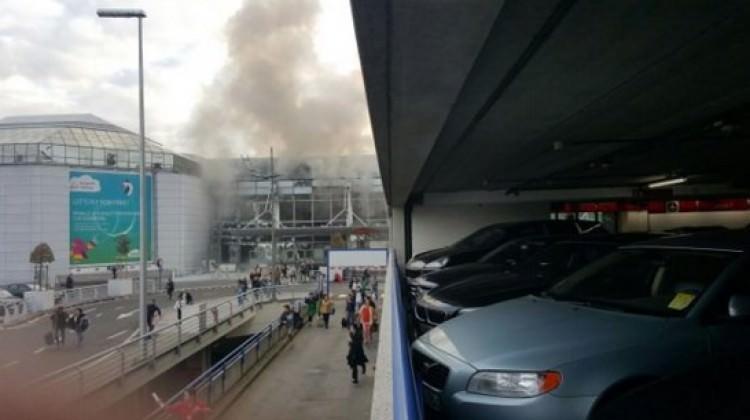 Brüksel'de havalimanında üst üste 2 patlama