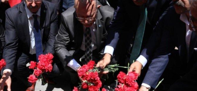 Kamu-Sen 1 Mayıs'ta Kızılay'da Şehitleri Andı
