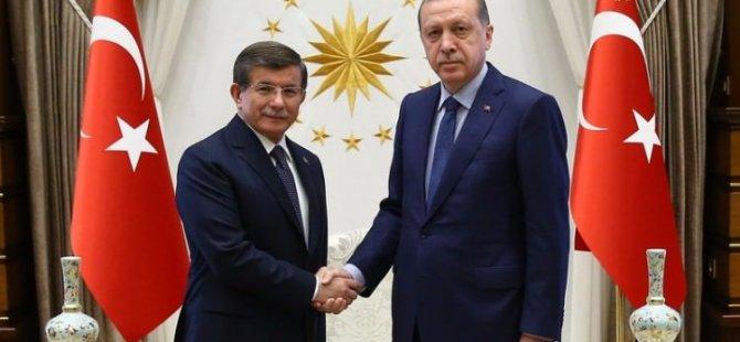 Davutoğlu istifasını Erdoğan'a sundu