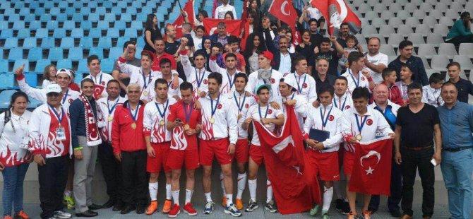 Bahçelievler Deneme Anadolu Lisesi Avrupa Şampiyonu