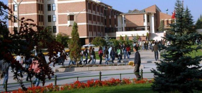 Anadolu Üniversitesi'nde 21 akademisyen atıldı