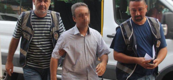 Adana ve Kahramanmaraş'ta 14 öğretmen gözaltına alındı.