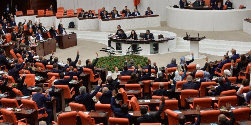 Emeklilikte yaşa takılanların isyanı Meclis'te