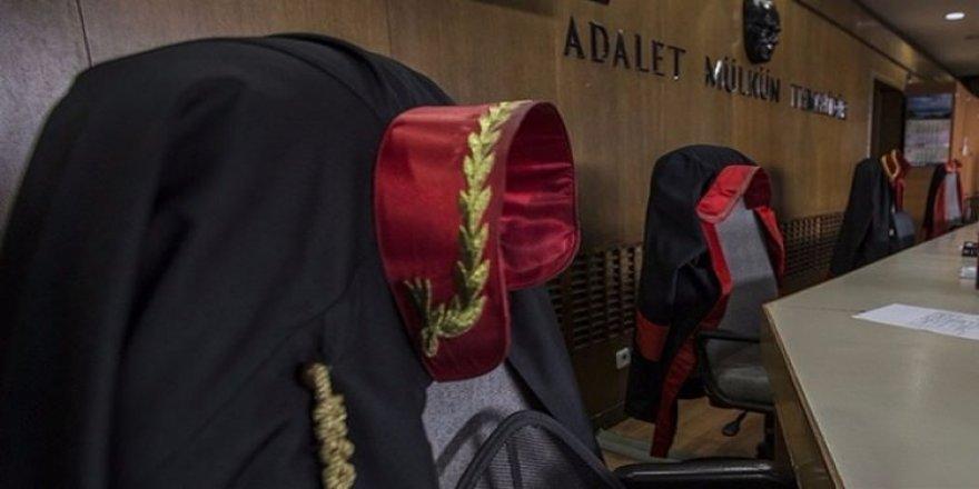 Dink davasının hakimi duruşmada gözaltına alındı