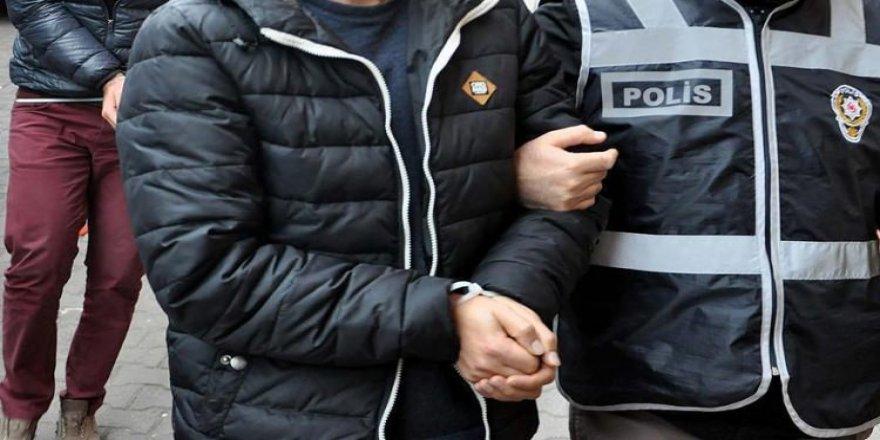 Niğde'de gözaltına alınan 6 öğretmen tutuklandı