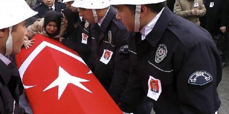 Muşlu şehit Türkçe ve Kürtçe ağıtlarla uğurlandı