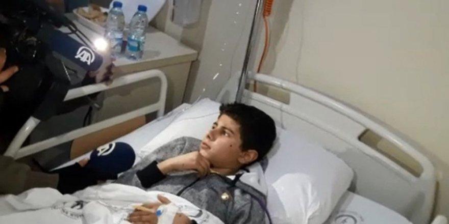 Halepli çocuk: Yolda yürürken bombalar yağıyordu