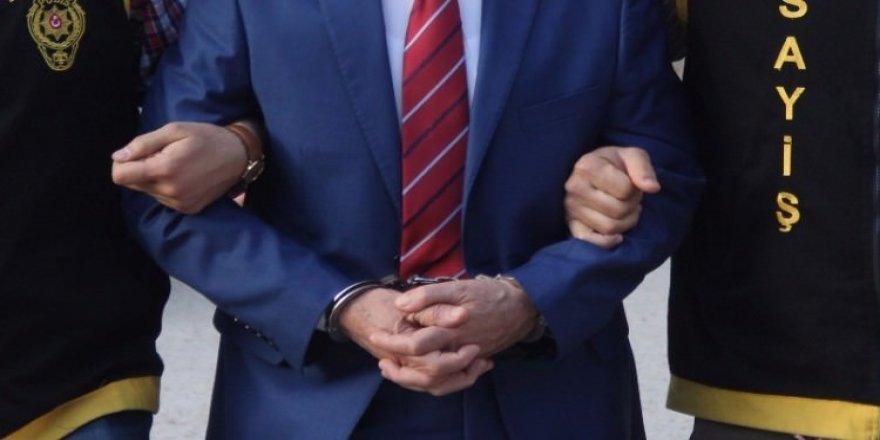 2'si savcı, 1'i hakim, 6'sı katip 9 kişi gözaltına alındı