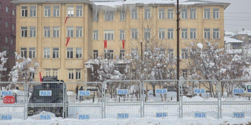 Yüksekova Belediyesine kayyum atandı