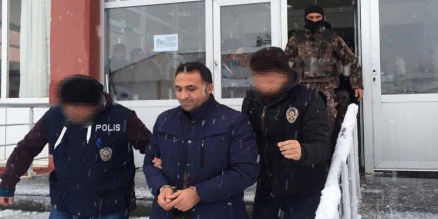 Bitlis'te 3 belediye başkanı tutuklandı
