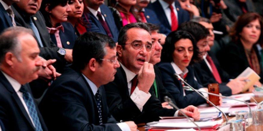 CHP'ye göre 35 soruda yeni Anayasa