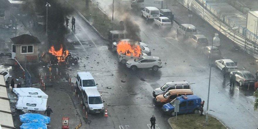 İzmir Valisi: 1 polis ve 1 adliye memuru şehit, 6-7 yaralı var