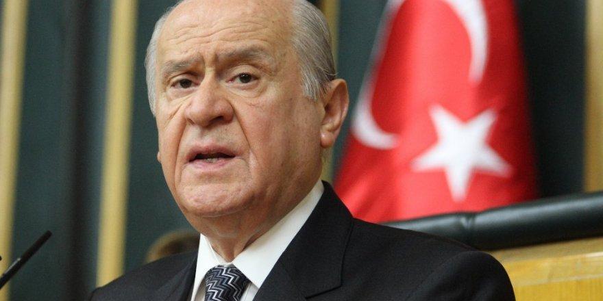 Bahçeli: Başbakan'ın Bozkurt İşareti Eline Yakışmış