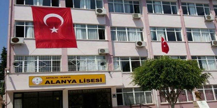 MEB Okulunda İzmir Marşı'na Yasak
