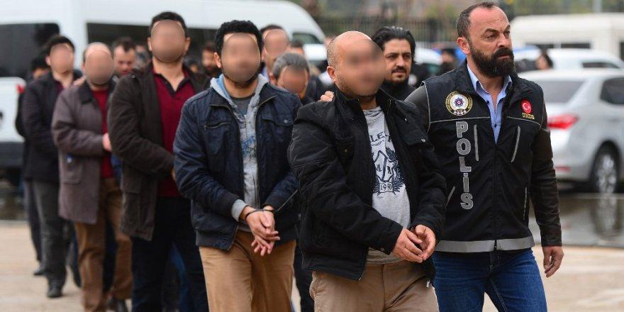 Antalya'da 16 öğretmene FETÖ gözaltısı