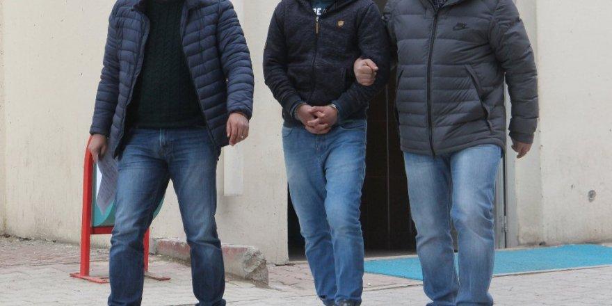 Öğretmen ve kamu görevlilerinin de bulunduğu terör operasyonu
