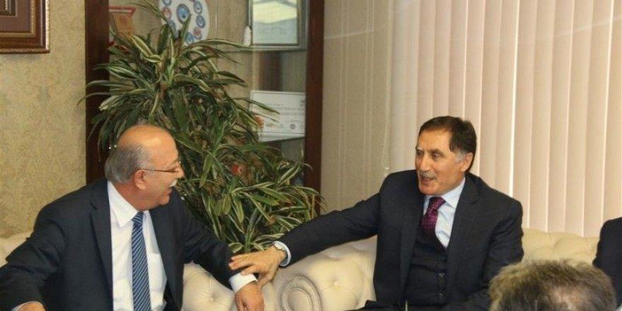 Ombudsman Şeref Malkoç'tan Kamu-Sen'e Ziyaret