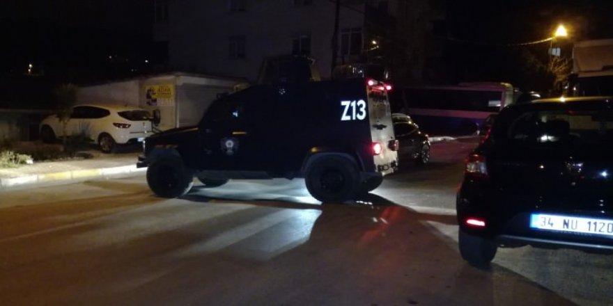 İstanbul'da polise silahlı saldırı! Yaralılar var