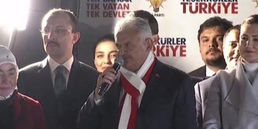 Başbakan Yıldırım'dan balkon konuşması