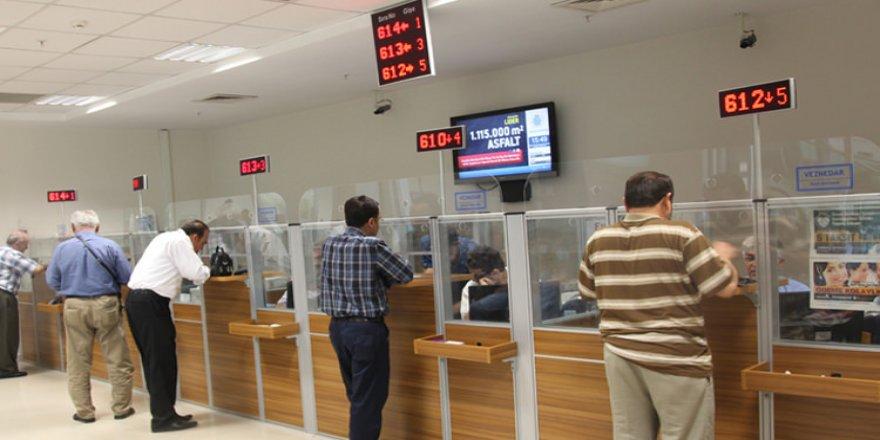Yarın ve 19 Mayıs Bankalar, PTT, Vergi dairesi, Noter, açık mı?