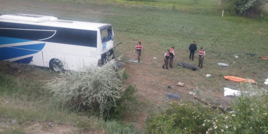 Korkunç kazada hayatını kaybedenlerden 4 kişinin ismi belli oldu.