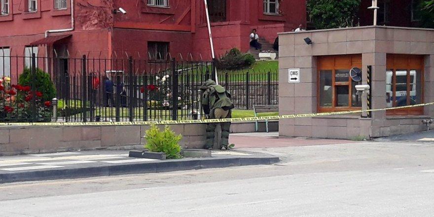 Eski Başbakanlık binasında bomba alarmı