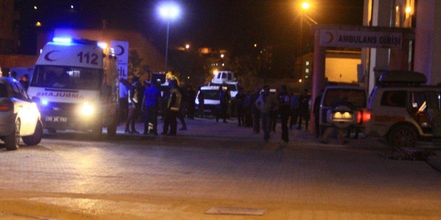 Hakkari'de Askeri Konvoya Saldırı: 1 Şehit, 5 Yaralı