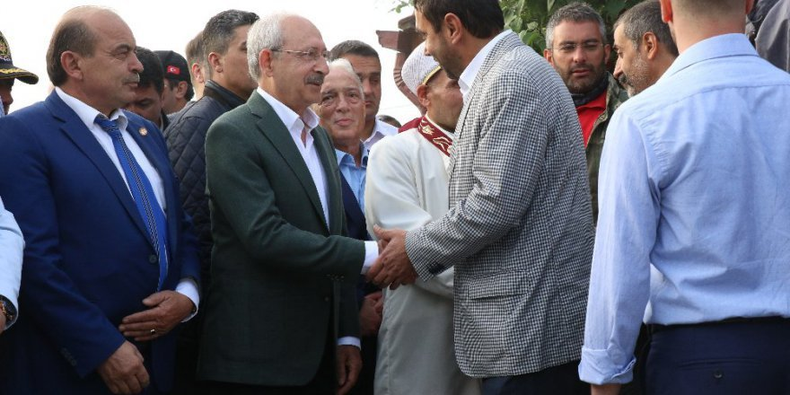 Kılıçdaroğlu bayram namazını Bolu'da kıldı