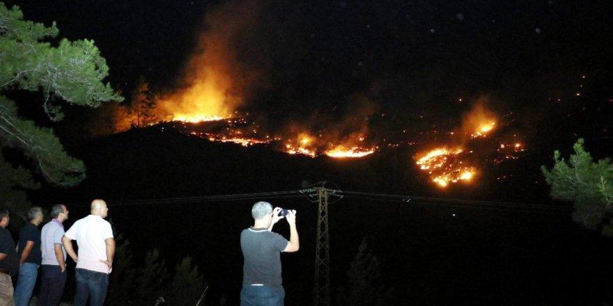 Alanya'da Orman Yangını - 100'e yakın ev boşaltıldı: 12 kişi yaralandı