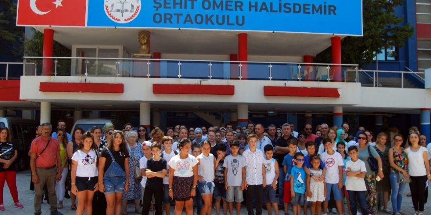 Şehit Ömer Halisdemir Ortaokulu'nun kapatılmasına tepki
